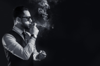Smoke, men