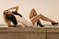 Jessica hart posing