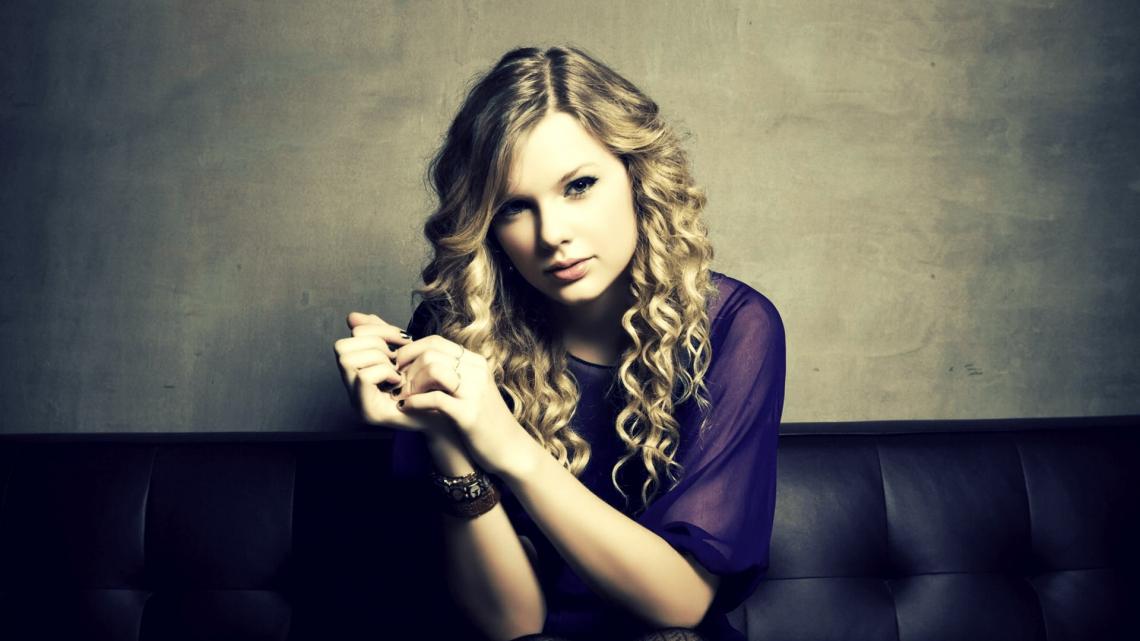 Taylor Swift for British VOGUE January 2021 4k Ultra HD Wallpaper